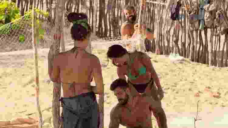 No Limite: Bil e Carol Peixinho da tribo calango - Reprodução/TV Globo - Reprodução/TV Globo