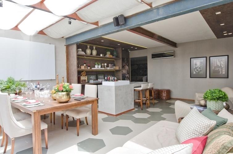 Salas de jantar ideias para decorar o ambiente bol for Sala de estar grande com escada