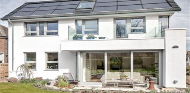 A Passivhaus (casa passiva, em alemão) produziu quase toda a energia que consumiu - Reprodução/ BBC
