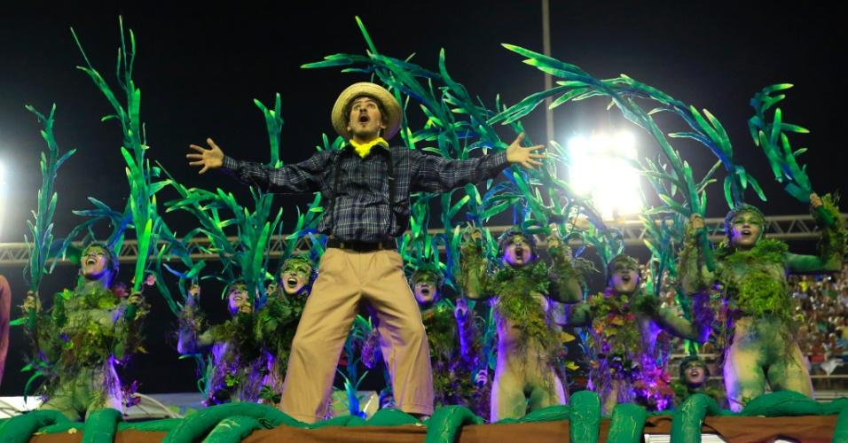 8.fev.2016 - A comissão de frente da Unidos da Tijuca era composta por dançarinos interpretando plantas e um agricultor