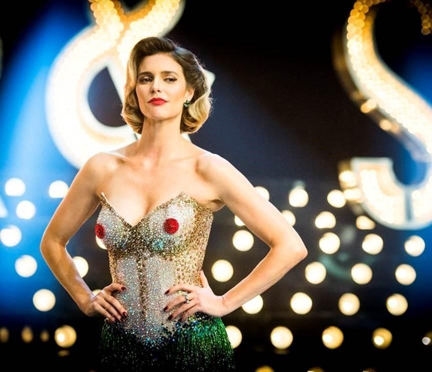 Fernanda Lima e seus figurinos glamorosos para o programa Amor e Sexo