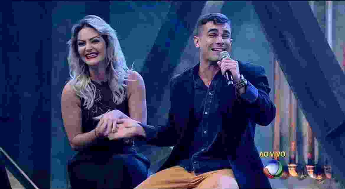 "21.jun.2016 - Laura Keller e Jorge durante a final do ""Power Couple Brasil"" - Reprodução /TV Record"