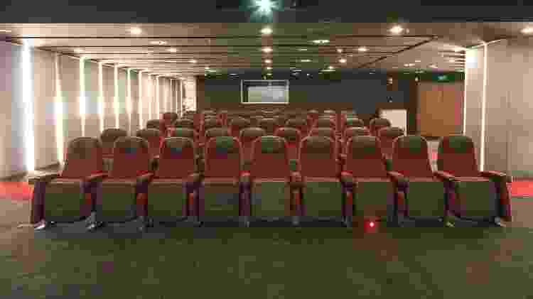 Interior de sala de cinema que existe dentro do aeroporto de Changi, em Cingapura - Divulgação/Changi Airport Group