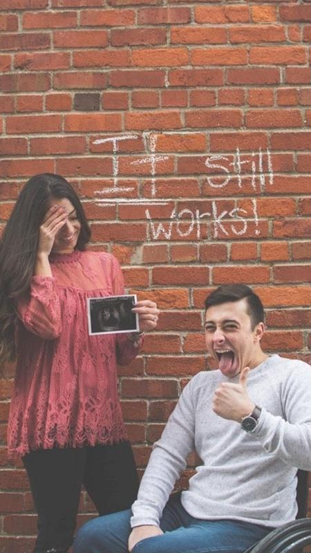 Amanda e Todd anunciam a gravidez - Reprodução/Reddit