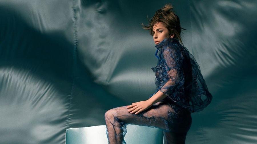 """Lady Gaga em sessão de fotos para o single """"The Cure"""" - Divulgação"""