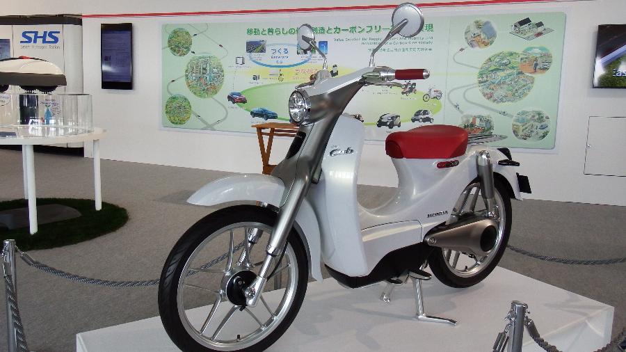 Honda EV-Cub propõe scooter pequeno, verde, tecnológico e... barato  - Divulgação