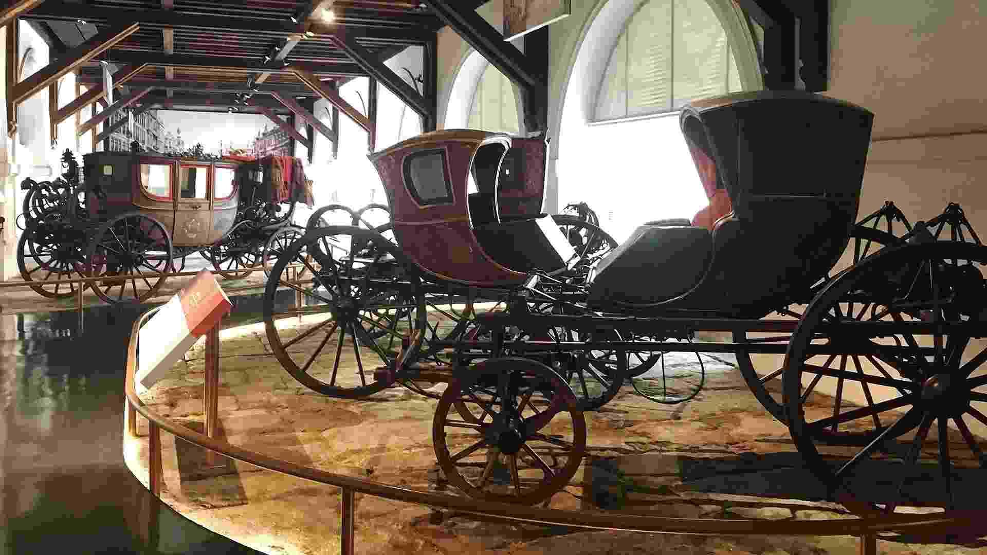 """Exposição """"Do Móvel ao Automóvel"""" no Museu Histórico Nacional, no RJ - Karina Craveiro/UOL"""