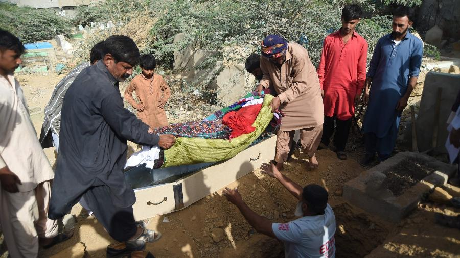 Garota de seis anos é estuprada e morta no Paquistão - AFP