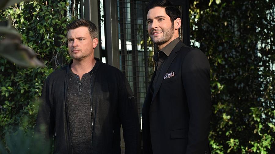 """Tom Welling e Tom Ellis na terceira temporada de """"Lucifer"""" - Divulgação"""