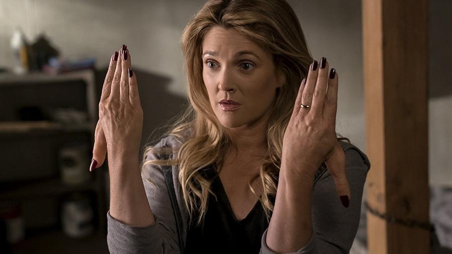 """Drew Barrymore em cena na série """"Santa Clarita Diet"""" - Divulgação"""