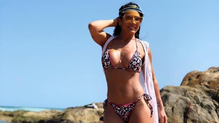 Scheila Carvalho aproveitou o calor deste  final de semana na praia em Salvador - Reprodução/Instagram/scheilacarvalhooficial