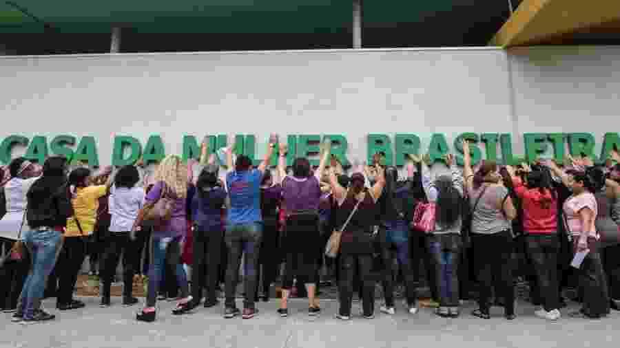 Mulheres protestam pela abertura da Casa da Mulher Brasileira em São Paulo - Elaine Campos