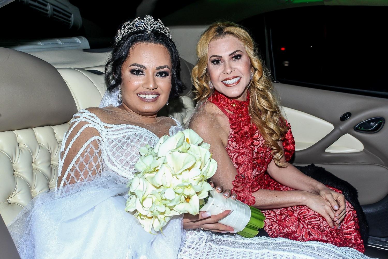 """Filha de Joelma se casa e a mãe a leva para o altar: """"Não aceito devolução""""  - 08/07/2019 - UOL Universa"""