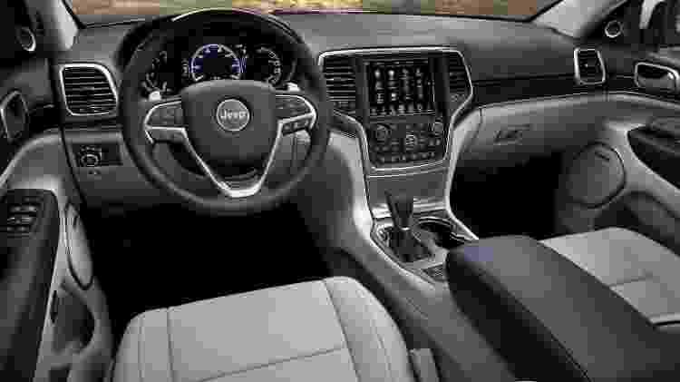 Jeep Grand Cherokee Summit interior - Divulgação - Divulgação