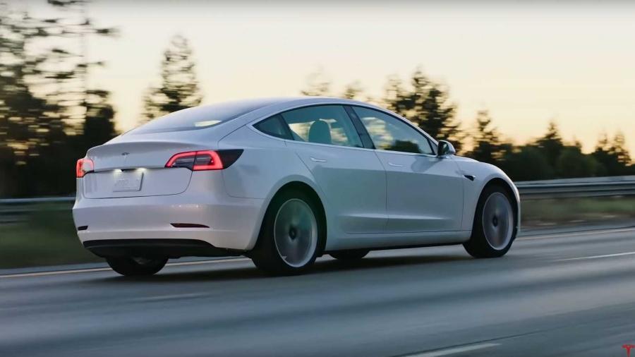 Tesla Model 3 - Divulgação