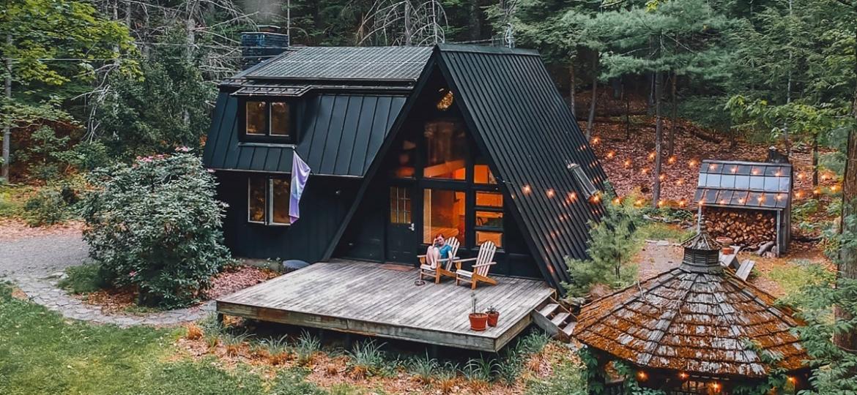 Pesquisa do Airbnb mostrou que Viver em qualquer lugar, preferência por destinos ?hiperlocais? e viagens de reconexão, para reunir a família sem abrir mão do isolamento, estão entre os destaques para os viajantes - Reprodução/Airbnb