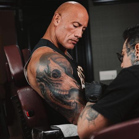 The Rock passa por 30h de sessão de tatuagem - Reprodução/Instagram