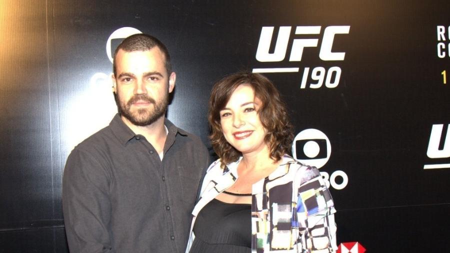 Regiane Alves e João no UFC 190, que aconteceu em 2015 no Rio de Janeiro - Foto Rio News