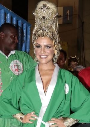Paloma Bernardi antes de desfilar pela Grande Rio