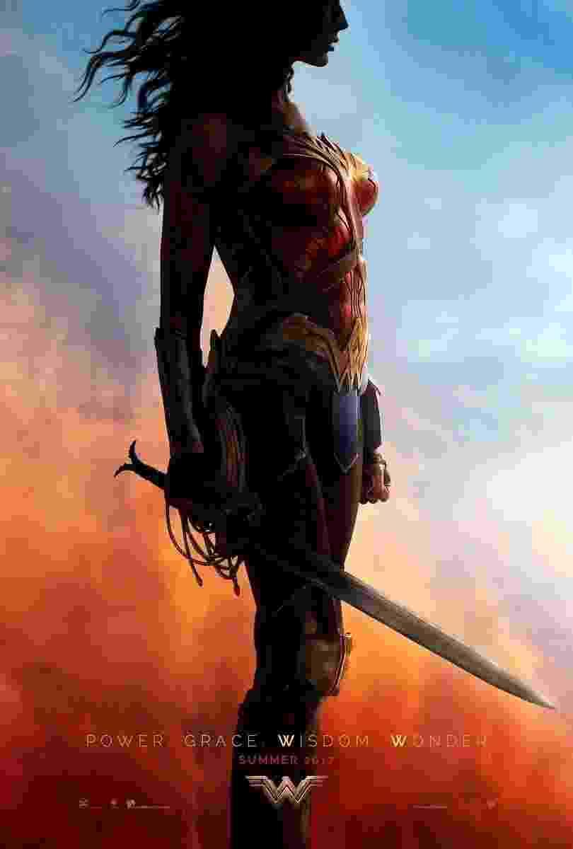 """Pôster de """"Mulher Maravilha"""" mostra Gal Gadot empunhando a Espada de Athena o Laço da Verdade - Divulgação"""