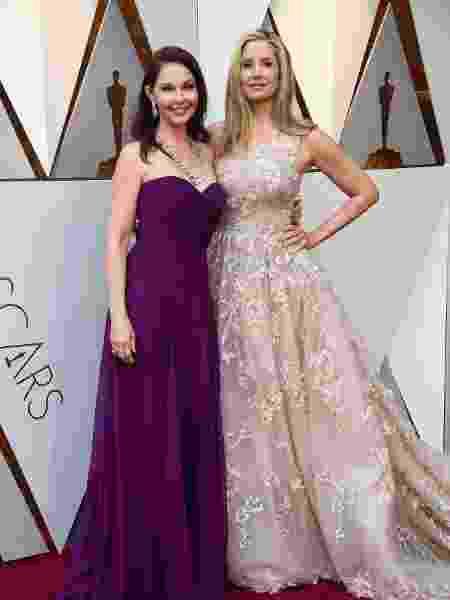 As atrizes Ashley Judd e Mira Sorvino no tapete vermelho do Oscar 2018 - Getty Images