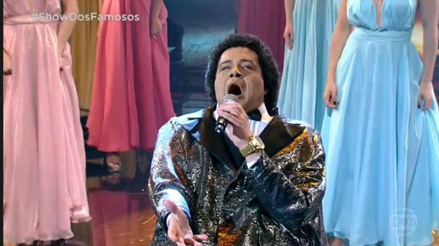 """Tiago Abravanel canta """"Tudo Passará"""", de Nelson Ned, no """"Show dos Famosos"""" - Reprodução/Globo"""
