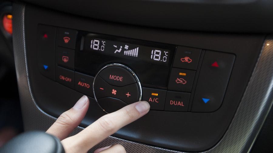 Ar-condicionado é praticamente um vício do motorista brasileiro - Marcelo Justo/Folhapress