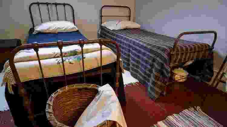 As camas de ferro começaram a ser usadas porque eram consideradas mais higiênicas do que as de madeira - Getty Images
