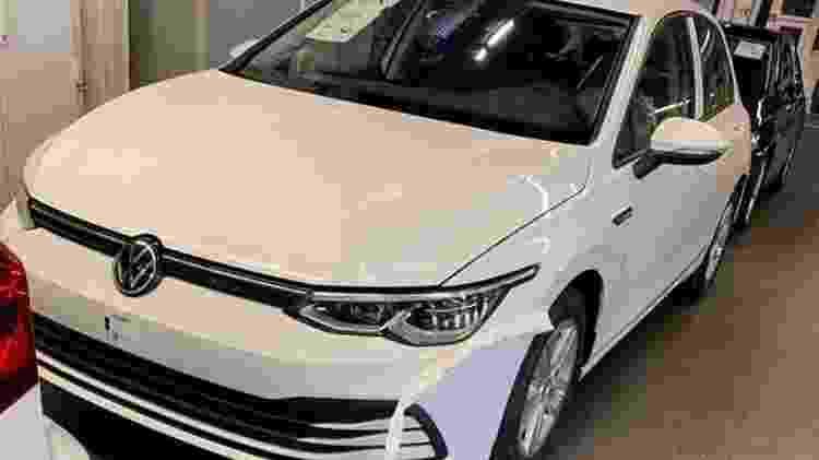 Oitava geração do Volkswagen Golf é flagrada dianteira - Reprodução - Reprodução