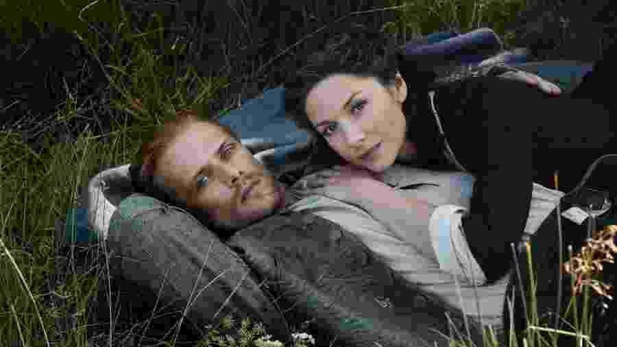 """Jamie (Sam Heughan) e Claire (Catriona Balfe) na quinta temporada de """"Outlander"""" - Divulgação"""