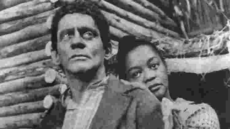 Sérgio Cardoso e Ruth de Souza em 'A Cabana do Pai Tomás' - Acervo/Globo - Acervo/Globo