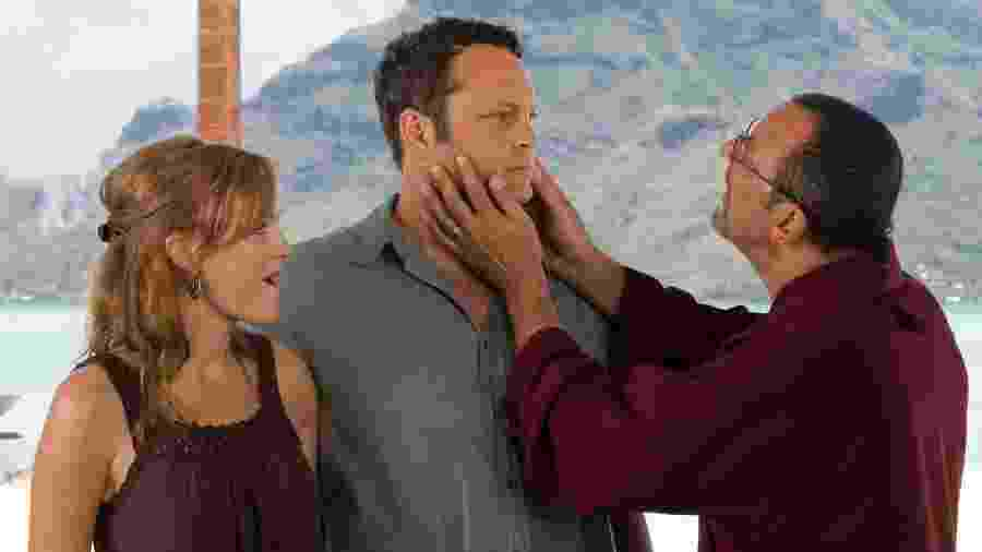 """Malin Akerman, Vince Vaughn e Jean Reno em cena do filme """"Encontro de Casais"""" (2009) - Divulgação"""