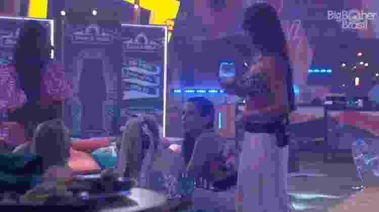 BBB 21: Juliette recua ideia de ficar com brothers - Reprodução/Globoplay - Reprodução/Globoplay