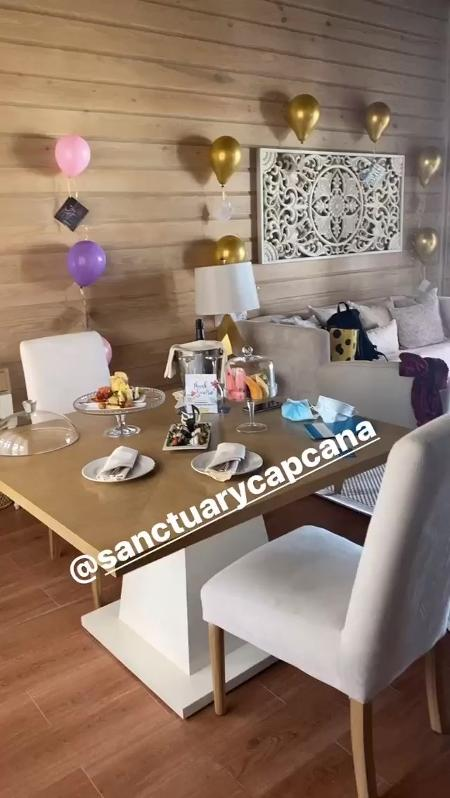 Anitta mostrou detalhes do quarto - Reprodução/Instagram @anitta - Reprodução/Instagram @anitta