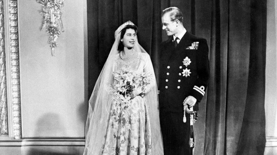 Princesa Elizabeth e príncipe Philip no dia do casamento, em novembro de 1947 - AFP
