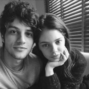 Chay Suede e Laura Neiva estavam juntos há um ano e oito meses - Reprodução/Instagram/chaysuede
