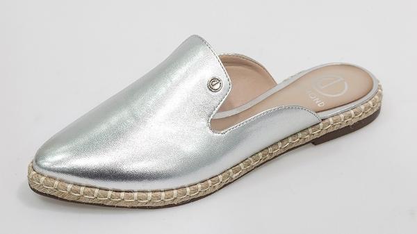 e0239f216 Verão 2017 vai trazer sapatos bordados e bem confortáveis - 28/06 ...
