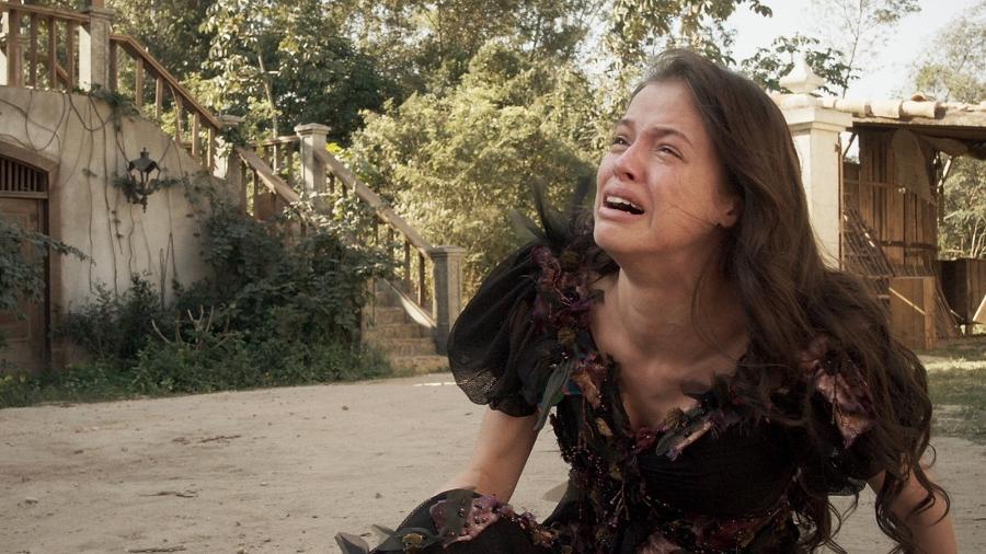"""Em """"Novo Mundo"""", Domitila chora após Pedro a expulsar de casa - Reprodução;Gshow"""