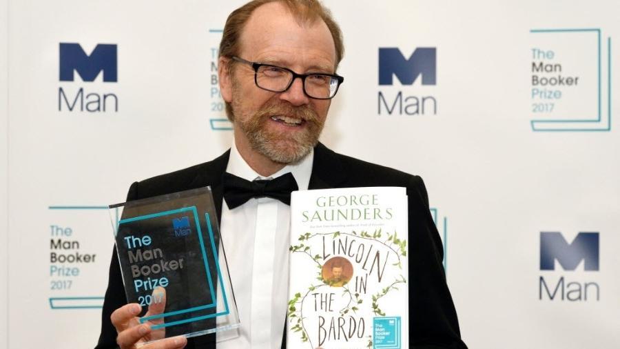 O escritor George Saunders recebe prêmio - Mary Turner/Reuters