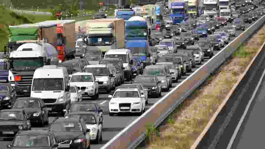 Waze hoje não apenas distribui o trânsito e indica as rotas aos motoristas; virou fonte de informação para órgãos gestores - Getty Images/iStockphoto