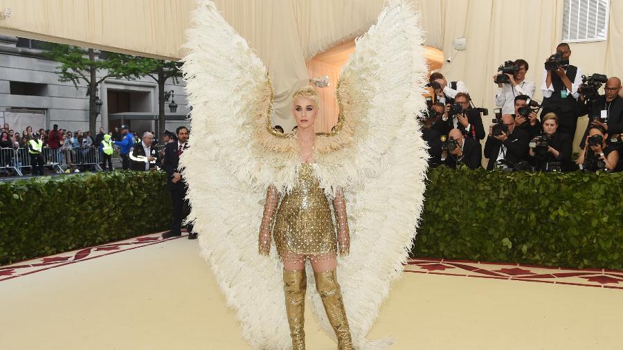 Katy Perry foi vestida de anjo para o Met Gala - Getty Images