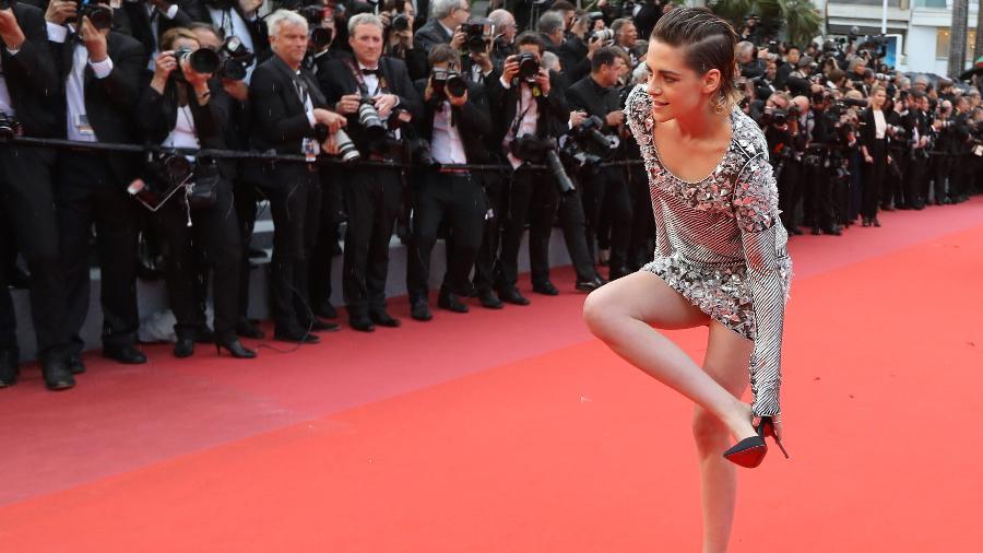 Kristen Stewart protesta contra exigência de salto no tapete vermelho de Cannes - Valery Hache/AFP Photo