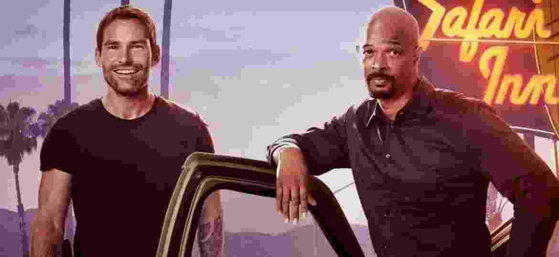 """Seann William Scott e Damon Wayans em imagem promocional da terceira temporada de """"Máquina Mortífera"""" - Divulgação"""