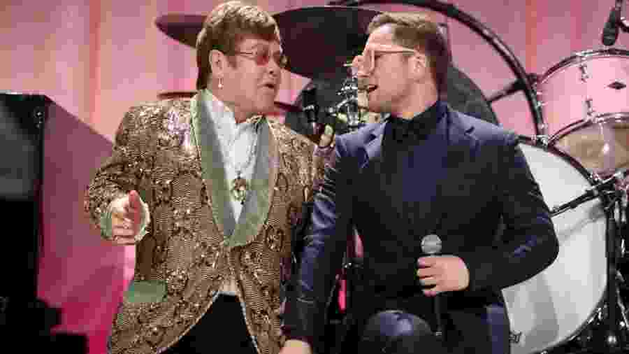 Elton John e Taron Egerton se apresentam juntos - Reprodução/Twitter