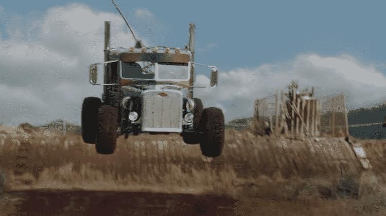 Jipe com carroceria de caminhão? Veículo off-road é estrela de novo filme - Reprodução