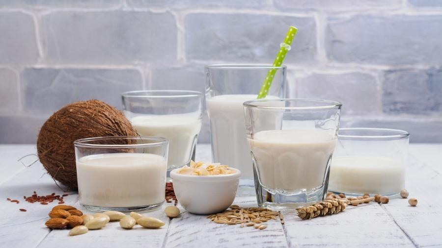 """Entenda de uma vez por todas as diferenças nutricionais entre os tipos de """"leite"""" - iStock"""