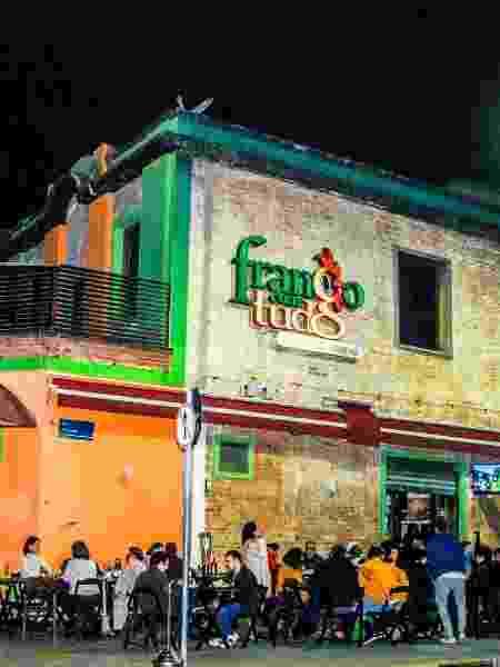 Restaurante Frango com Tudo Dentro - Reprodução/Facebook