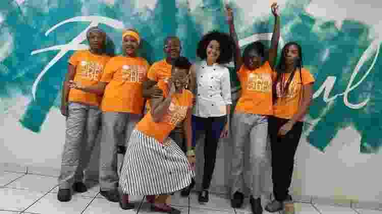 Seis das dez funcionárias da Free Soul Food são mulheres vindas de países como Haiti, República Dominicana, Angola e Venezuela - Divulgação/Free Soul Food