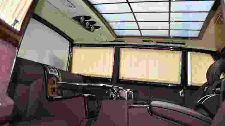 Interior esbanja sofisticação e parece até de um carro moderno - Divulgação
