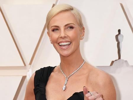 Charlize Theron cobra mais personagens femininas em filmes de ação ...